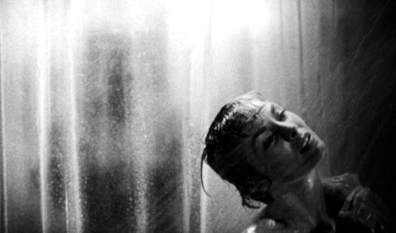 La celebre scena della doccia in Psyco di Alfred Hitchock.